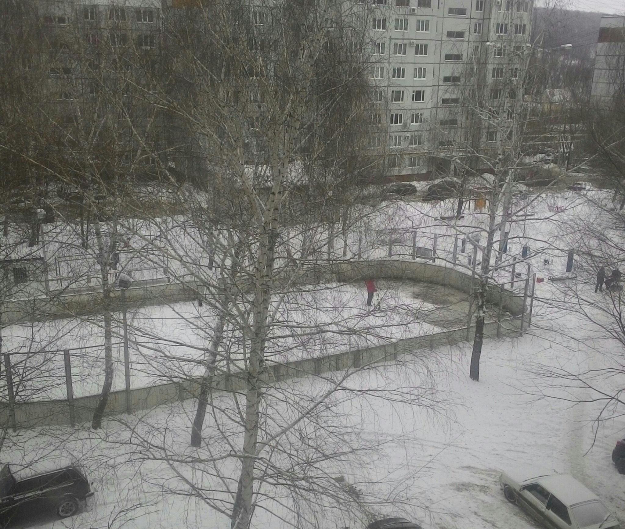 Каток на 4-ом квартале, фото: Екатерина Цырульник