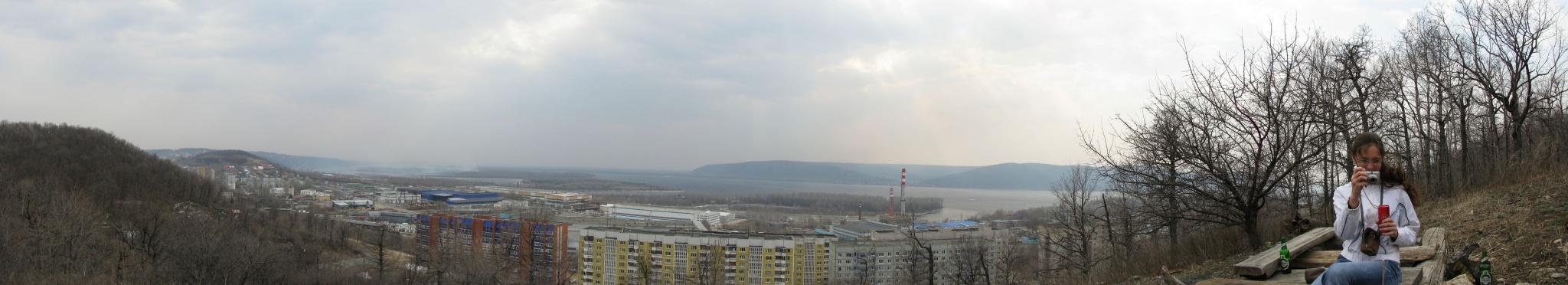 Панорама с видом на первый квартал и Волгу. 5500x1000px.